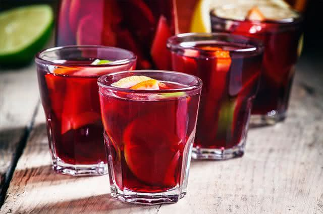 5 bebidas quentes para os dias frios do São João - Quentão de frutas