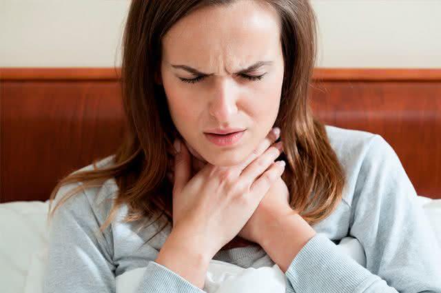 5 receitas de chás que você deve tomar para combater dor de garganta
