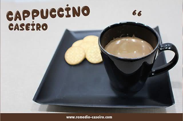 Aprenda a fazer um cappuccino caseiro que é uma delícia