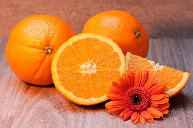 Comidas ricas em vitamina C - Laranja