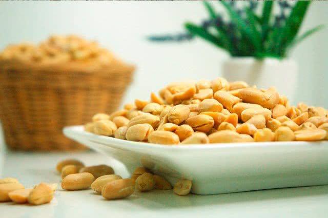 Dia dos namorados: apimente o cardápio com alimentos afrodisíacos - Amendoim