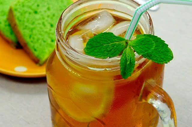 Ervas mais indicadas para preparar chás frios - Chá de Hortelã