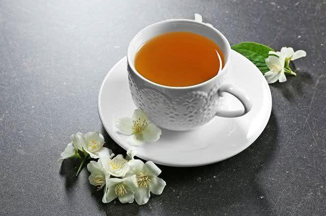 Ervas mais indicadas para preparar chás frios - Chá de Jasmim