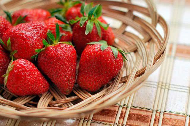 Frutas do inverno: confira quais são e seus benefícios - Morango