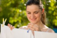 Gastando pouco: 6 dicas fundamentais sobre como lavar roupa com economia