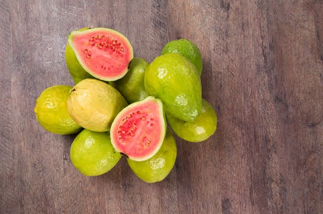 Frutas que prendem o intestino - Goiaba