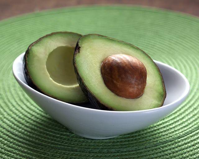 Coma abacate e viva uma vida saudável