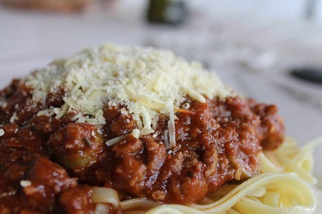 Consuma spaghetti à bolonhesa e viva uma vida saudável