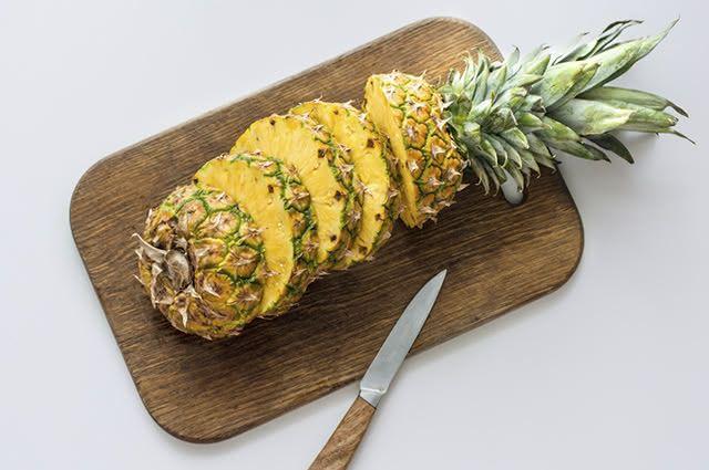 Algumas frutas não evem ser consumidas por quem tem hemorróidas, o abacaxi não é uma delas