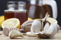 Como fazer chá de limão com alho