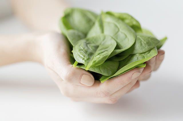 Comer muito espinafre pode ter efeito negativo no organismo