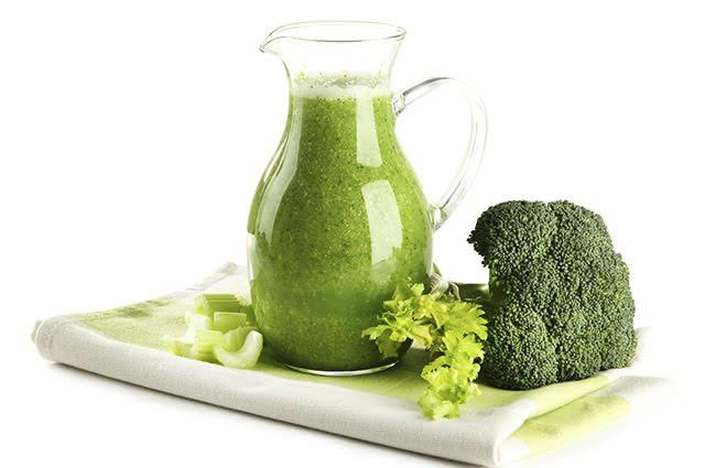 O suco de brócolis pode ser uma ótima forma de perder peso