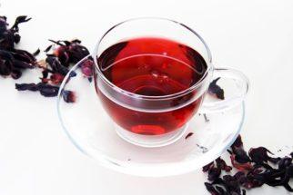 Chá de hibisco com cavalinha; veja para que serve