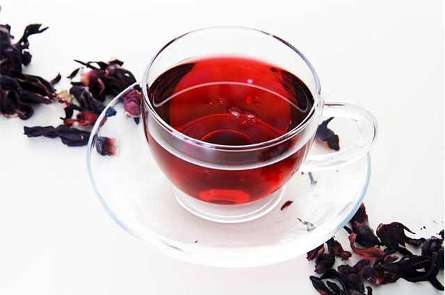 Você merece ficar sabendo para que serve chá de hibisco com cavalinha