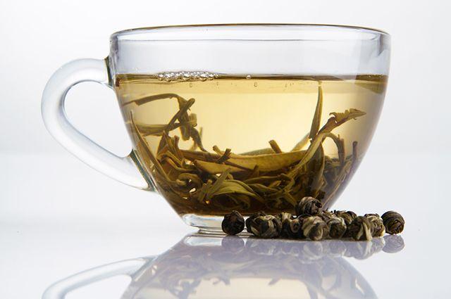 Xícara com chá branco
