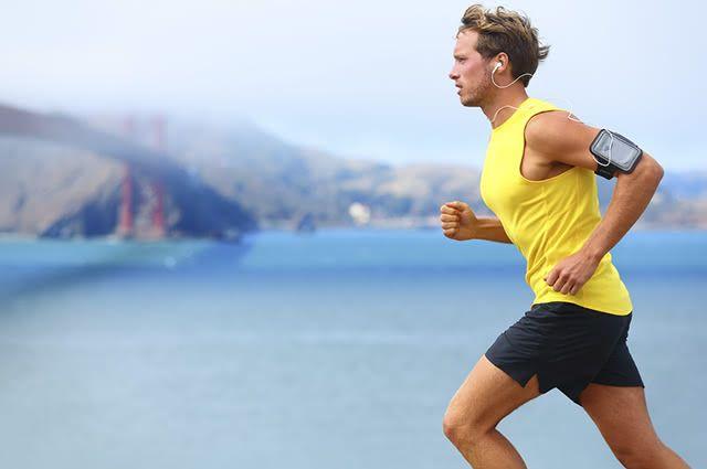 O jeito certo de respirar quando corre é respirando de forma mais rápida, curta e superficial