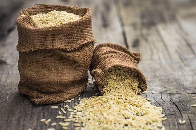O arroz integral prolonga a sensação de saciedade