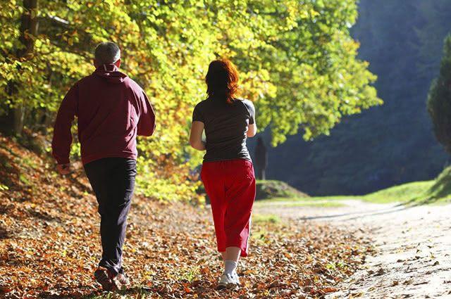 Proteínas e carboidratos devem compor a alimentação após a caminhada