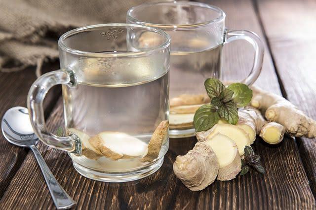 O chá de gengibre desperta e é rico em nutrientes