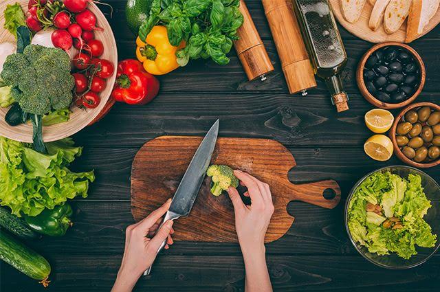Prepare uma salada realmente saudável e desfrute de inúmeros benefícios