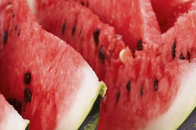 As sementes de melancia são indicadas para aliviar cólicas renais