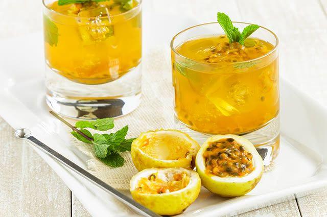 Solte o intestino bebendo suco de maracujá