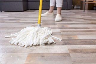 Aprenda como remover cera do piso