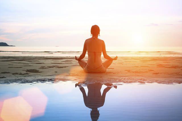 A meditação inibe o cortisol, que causa estresse e indisposição