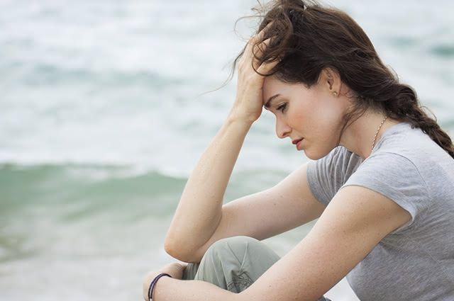 Devido aos efeitos colaterais dos remédios de farmácia, muito se busca por antidepressivos naturais