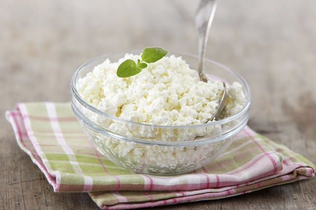 O queijo cottage tem baixo índice de carboidratos e é rico em proteínas