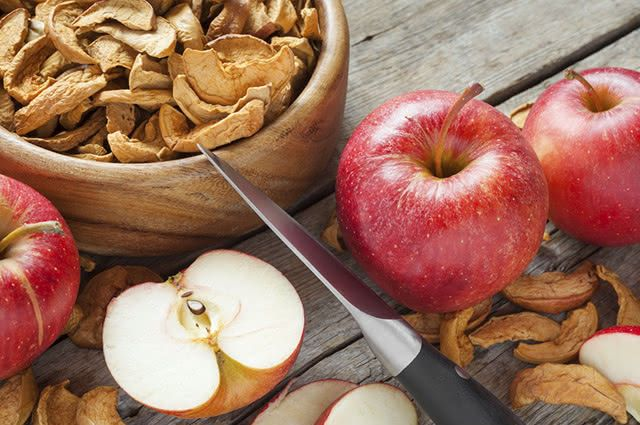 Você pode aproveitar os benefícios da maça através de snacks desidratados