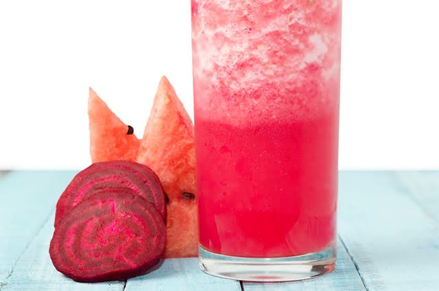 Suco de beterraba com melancia é a pedida para hidratar o organismo
