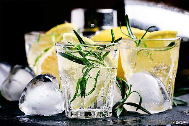 Para um bom funcionamento do sistema nervoso, invista no suco detox refrescante