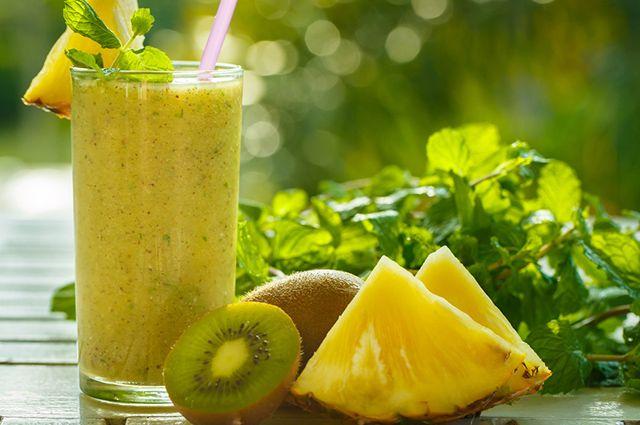 O abacaxi se enquadra bem para compor combinações de suco de kiwi