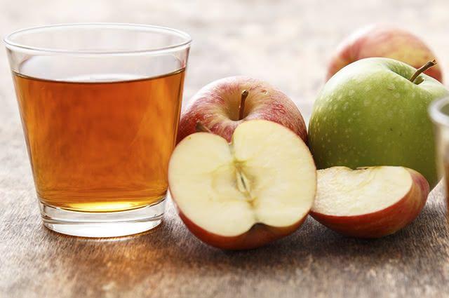 A maçã pode trazer benefícios também se consumida na forma de suco