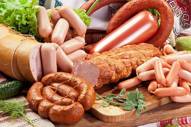 Evite consumir alimentos embutidos se você quer eliminar gordura visceral
