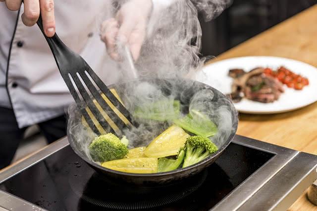 O bicarbonato pode ser usado para manter a cor dos vegetais mesmo após serem cozidos