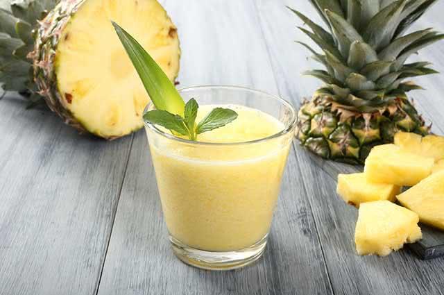 Unindo ao abacaxi outros ingredientes é possível reforçar ainda mais seus efeitos positivos para a saúde