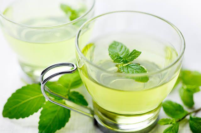 Prepare com atenção e cuidado o chá de hortelã e desfrute dos seus benefícios