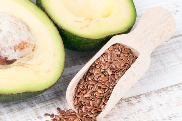Adquira massa muscular por meio da mistura de abacate, linhaça e chia