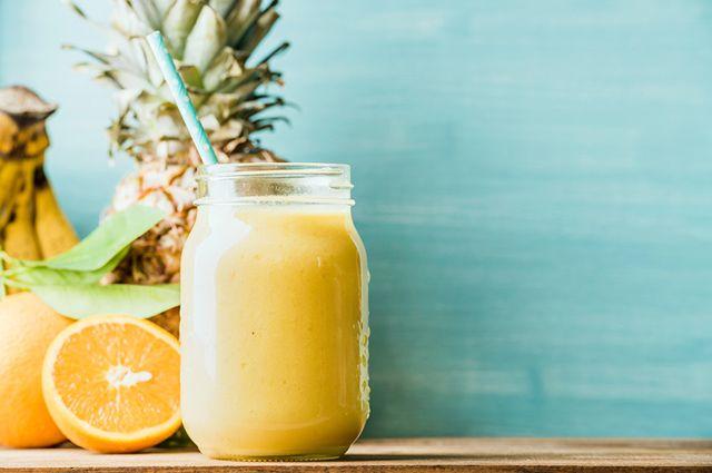 Suco de abacaxi com laranja é uma das 7 combinações saborosas para suco