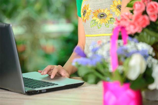 Avalie bem um vendedor online antes de finalizar sua compra de ervas como o baicuru