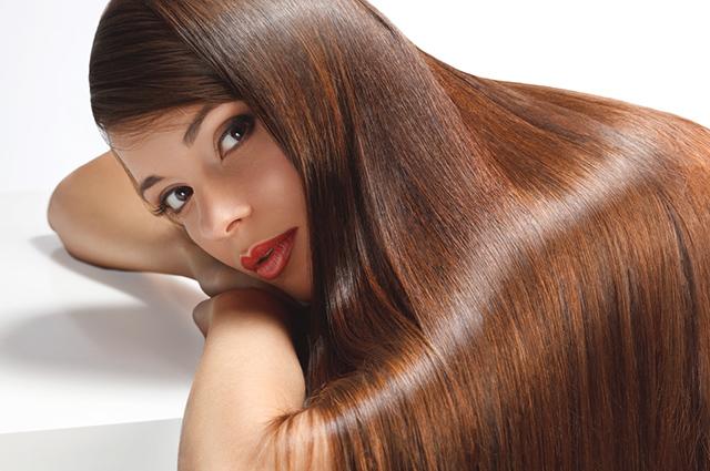 Os benefícios da vitamina C para o cabelo vão desde o seu crescimento ao brilho
