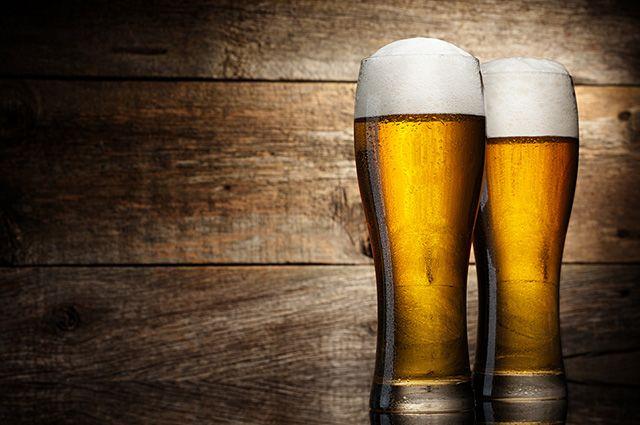 A bebida alcoólica é um dos alimentos que causam espinhas