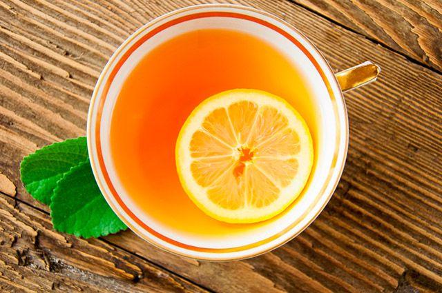 O chá de casca de limão consegue tratar gordura no fígado