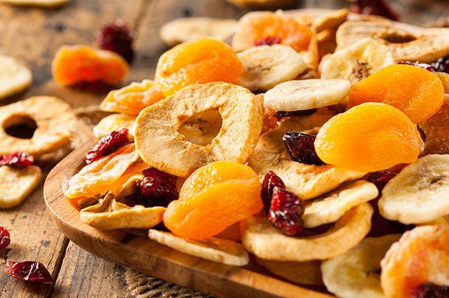 Comer frutas secas antes de dormir pode ajudar na busca pelo emagrecimento