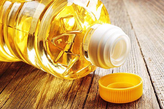 O óleo vegetal é um dos alimentos que causam espinhas