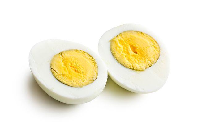 Comer ovo antes de dormir pode ajudar na busca pelo emagrecimento