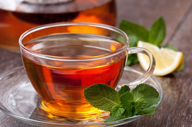 O chá de hortelã serve para que o corpo consiga digerir melhor os alimentos