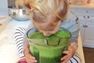 Filha de Gisele Bündchen é adepta ao suco verde